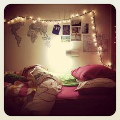 I'm totes will use the lights and pictures covering the wall.