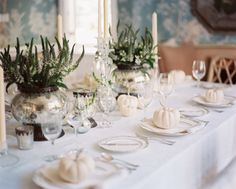 pretty Thanksgiving table setting