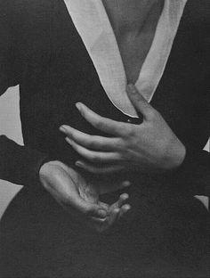 Georgia O'Keeffe—Hands by Alfred Stieglitz,1917.Platinum print.