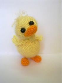 Duck Amigurumi - Free Russian Pattern here: http://knitting-for-babies.ru/igrushki/milyj-utenok-ot-mariny-marina