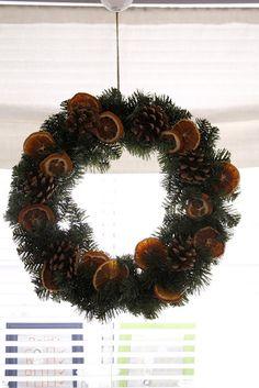 Christmas Oranges & Pine Cone Wreath