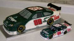 OMG! I totally want this for my birthday!!!!!  Dale Earnhardt Jr Amp/Mountain Dew Car cake
