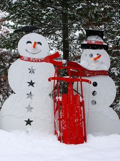 Snowman - wood cutouts (outdoor paint) - would be a fun project for the home!