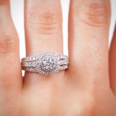 Don't forget to take you #engagementring selfie!