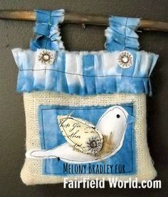 polyfil stuffed bird tote