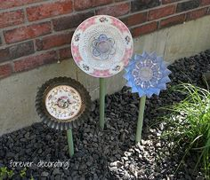 I've been seeing these at various craft shows for a ridiculous amount of money ($45-65). Came across a link with EASY directions. I know what I want to make: http://www.foreverdecorating.blogspot.com/2012/06/china-garden-flower-tutorial.html#more
