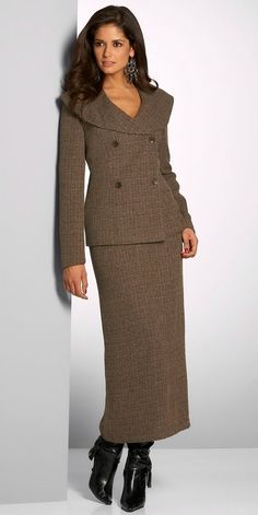 Love this suit with the long pencil skirt!