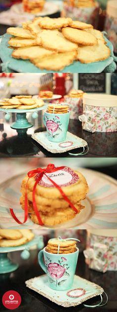 Torre de cookies. María Laura D'Aloisio. Navidad Utilísima. www.utilisima.com/recetas/11847-torre-de-cookies.html