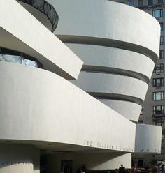 Solomon R. Guggenheim Museum - Frank Lloyd Wright