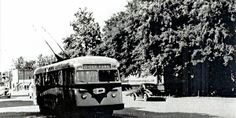 Des Moines Curbliner [electrified bus] from the late 40's- early 50's, Oak Park line
