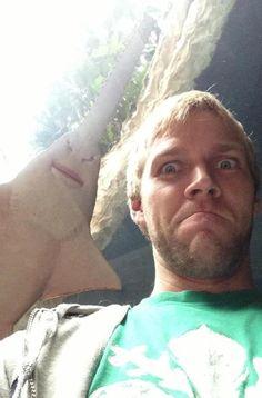 The ultimate selfie photobomb.