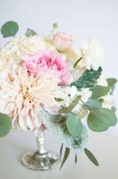 Cafe Au Lait Dahlias, pink Garden Roses, and Hydrangea | By Gavita Flora #wedding #flowers #centerpiece
