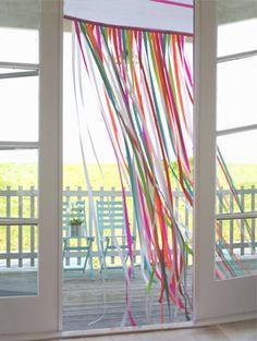 streamer/ribbon curtain