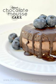 Raw Vegan Chocolate Mousse Cake