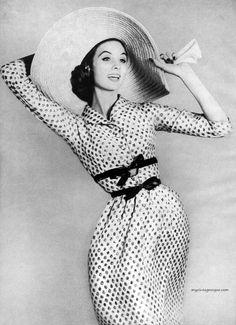 suzi parker, suzy parker, fashion, polka dots, richard avedon, dress, bazaar januari, harper bazaar, hat
