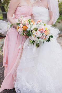 Beautiful bouquets: http://www.stylemepretty.com/2014/10/24/natural-romance-in-wine-country/ | Photography: Jasmine Star - http://jasminestar.com/