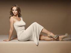 Jennifer Love Hewit curves