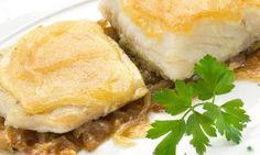 Receta de Bacalao con cebolla confitada y mahonesa de ajo