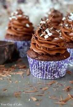 Chocolate Cupcakes w-Mascarpone Filling
