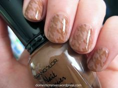 Brown houndstooth nails