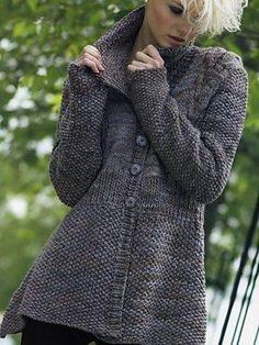 Вязанием спицами свитер женский