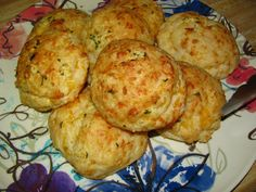 Red Lobster Cheddar Bay Garlic Biscuits!