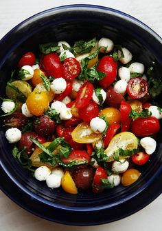A quick and easy tomato basil mozzerlla salad recipe