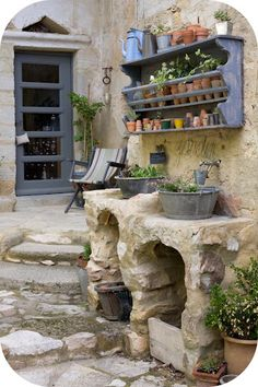 AMAZING potting area!