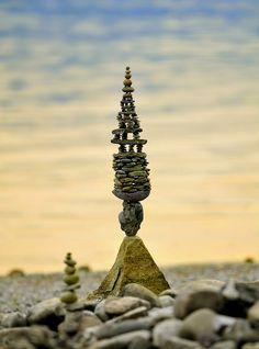 Aus über hundert Steine by paul.volker, via Flickr