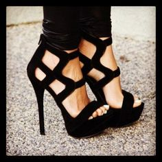 All heels report to my closet immediately (33 photos) - high-heels-11