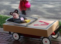 great kid's halloween costume, for my friends with wee ones...how great would this be!!