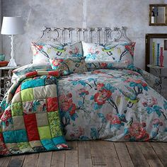 Ivory 'British Affair' floral bedding set