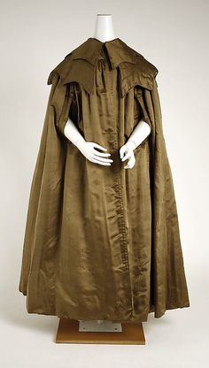 Silk and cotton cape, American, ca. 1842.