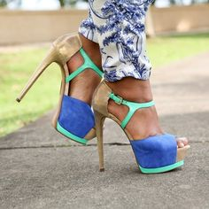 Summer heels! Pose by carolinatarte
