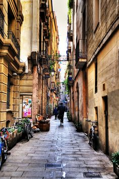 Alley in Barcelona | Barcelona, #Catalonia http://www.spain-holiday.com/Barcelona-province/holiday-rentals