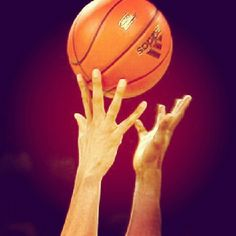 In the end the gamw comes down to one thing.. man vs man. May the best man (or woman) win.. #basketball #quotes #life