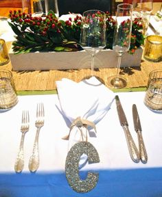 COCOCOZY: HOLIDAY TABLE SETTING
