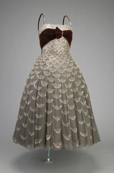 Dior ball gown 1951