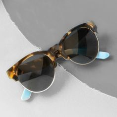 Bring your outfit full-circle with #TOMSeyewear's Charlie Rae glasses.