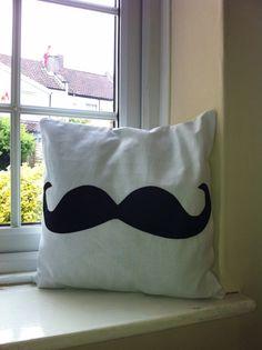 Moustache .