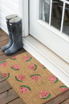 Watermelon Welcome Mat DIY | via Dream Green DIY