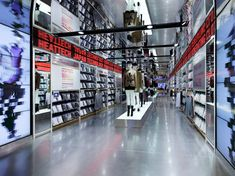Uniqlo flagship store by Wonderwall, New York  store design