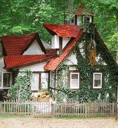 Cottages:  Rose Cottage, by catface3, via Flickr.