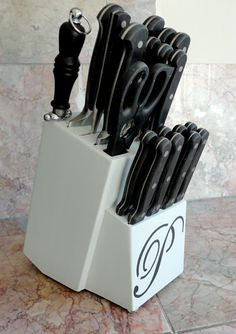 DIY Monogram Knife Block | LiveLoveDIY