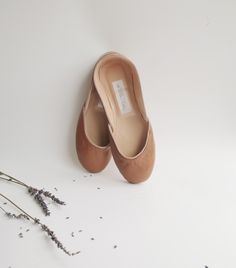 Soft leather ballet flats.