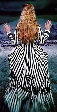 sleepy hollow Back of Kristina's dress