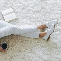 White is always in style. ▫️❤️▫️#Regram #TGIF
