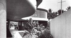 Detalle de la fachada,Club de Yates en Acapulco, Costera Miguel Alemán, Acapulco, Guerrero, México 1954 Arqs. Mario Pani, Salvador Ortega Flores, Domingo García Ramos  Foto. Guillermo Zamora  Detail of the facade of the Yatch Club of Acapulco, Acapulco, Guerrero, Mexico 1954