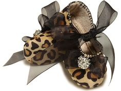 Baby Girl Shoe Suzette in Leopard, slipper/bootie. Trendy, Infant Sizes. Handmade. $32.00, via Etsy.