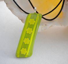 Fused Glass Lime Green Daisy Chain Pendant Necklace by uniquenique, $24.00 #onfireteam #lacwe #teamfest #retro #boho #pendant #daisychain